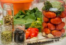 Marynowane pomidory na ostro: sprawdzony przepis
