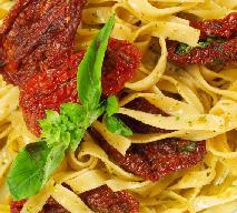Spaghetti z suszonymi pomidorami i czosnkiem: szybkie danie z makaronu