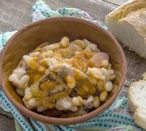 Wieprzowina z fasolą i ziemniakami: sycące danie na pocieszenie