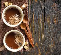 Gorąca czekolada z daktyli - zdrowy i słodki deser [PRZEPIS]