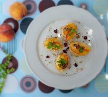 Kanapki z serkiem i brzoskwiniami
