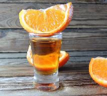 Nalewka pomarańczowo-kawowa: przepis na pomarańczówkę z ziarnami kawy