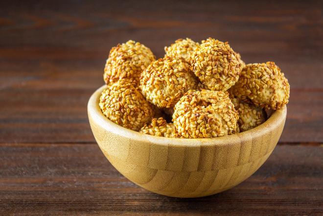 Najprostsze ciastka sezamowe - zdrowe ciasteczka bez pieczenia