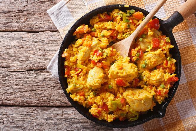 Arroz con pollo: udka kurczaka z ryżem po hiszpańsku