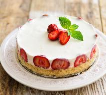 Ciasto budyniowe z truskawkami: przepis