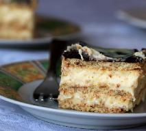 Ciasto EKLER bez pieczenia: łatwy przepis na deser na herbatnikach z kremem budyniowym