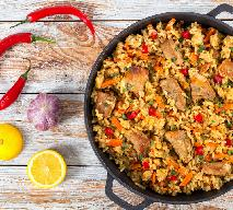 Ryż z mięsem i warzywami - przepis na danie jednogarnkowe