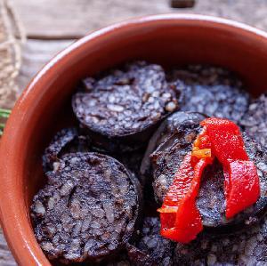 Kaszanka smażona na ostro z chili i czosnkiem