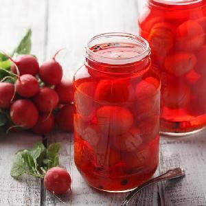 Rzodkiewki kiszone z miodem: przepis na zdrową i pyszną kiszonkę