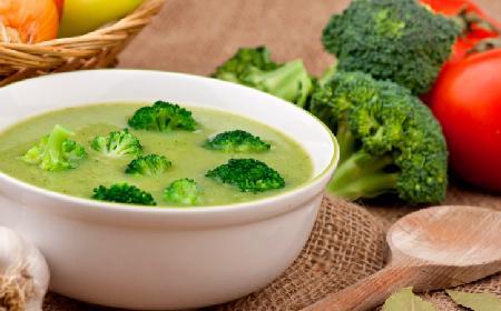 Zupa krem z brokułów: przepis na pyszną zupę
