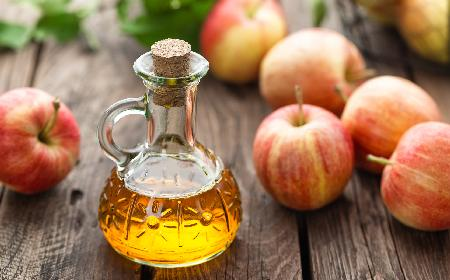 Ocet jabłkowy - właściwości, zastosowania i przeciwwkazania