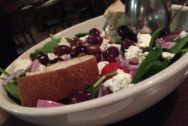 Kuchnia grecka - czego koniecznie trzeba spróbować podczas pobytu w Grecji?