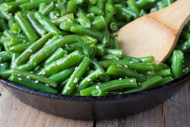 Fasolka szparagowa z sezamem i sosem sojowym: jak zrobić?